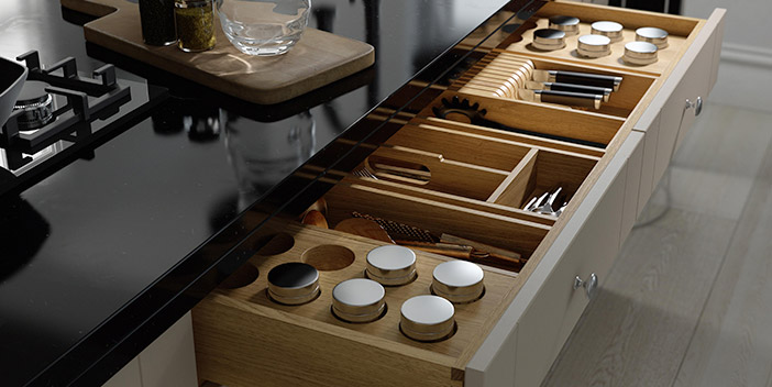 Organised Kitchen Drawer With Drawer Dividers