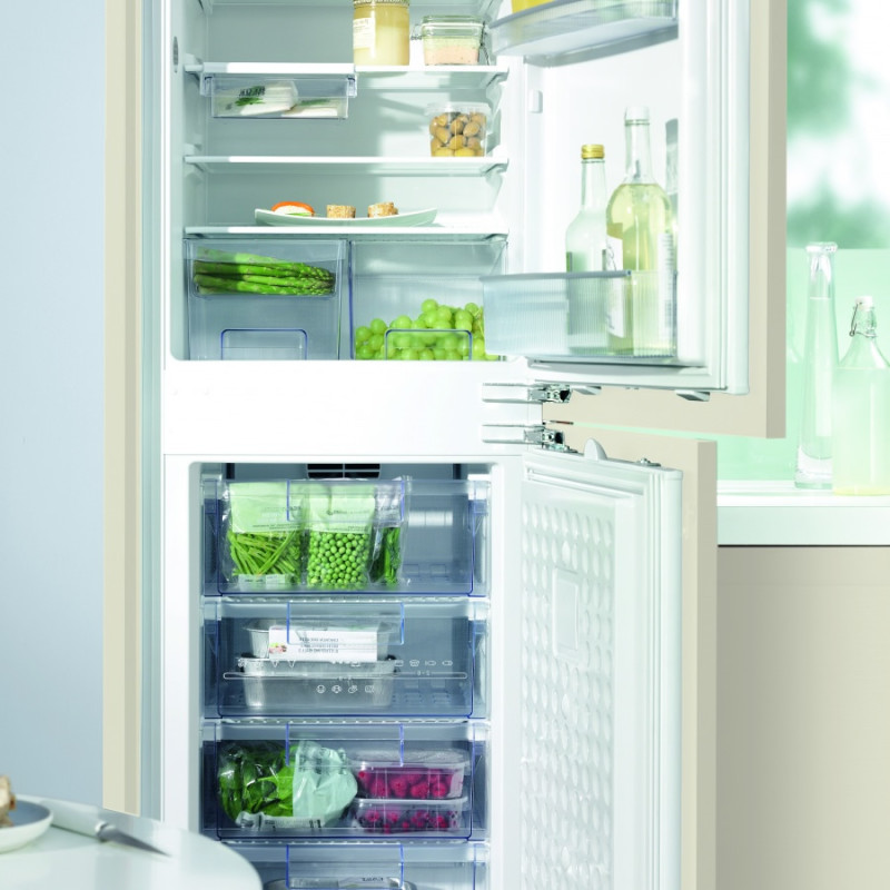 Neff H1772xW541xD545 70/30 Integrated Fridge Freezer additional image 1