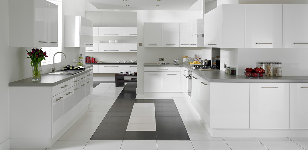 Complete base and wall cabinets with white gloss doors ebay for White gloss kitchen wall cupboards